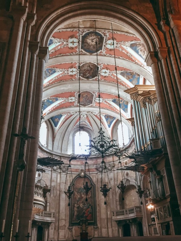 Lisbons Cathedral in Portugal, Blue Eyed Compass